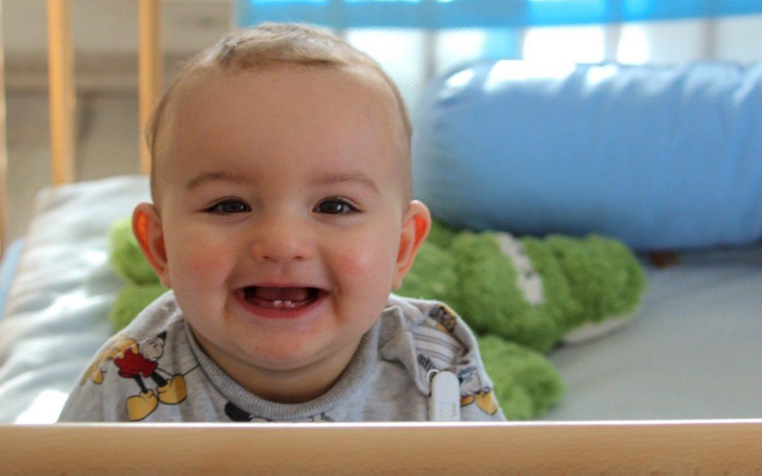 Soulager un bébé qui fait les dents.